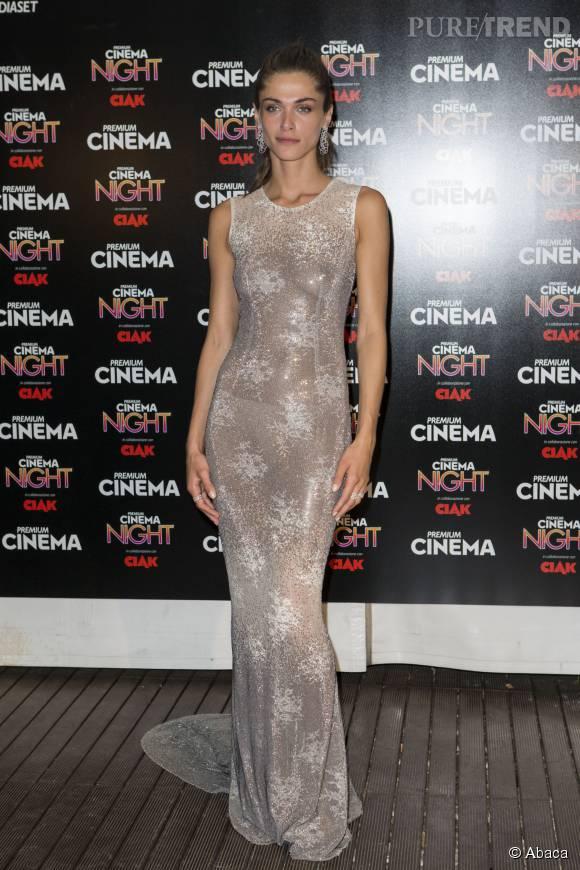 Elisa Sednaoui, très élégante hier dans sa robe semi-transparente révélant sa culotte... et ses tétons.