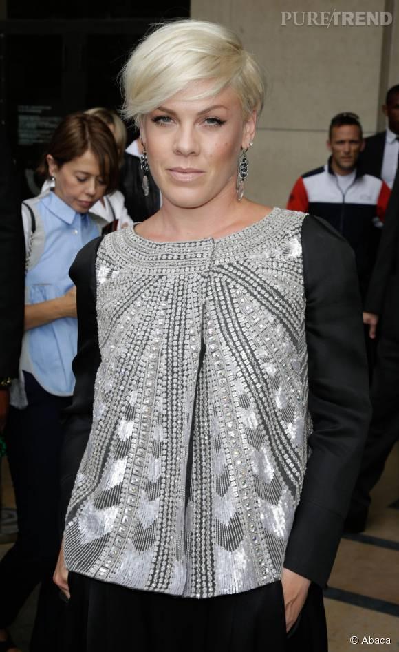 Pink réagit face à la présentation provocante de Miley Cyrus sur la scène des MTV VMA.