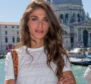 Elisa Sednaoui : beauté solaire et naturelle, elle prolonge l'été à Venise