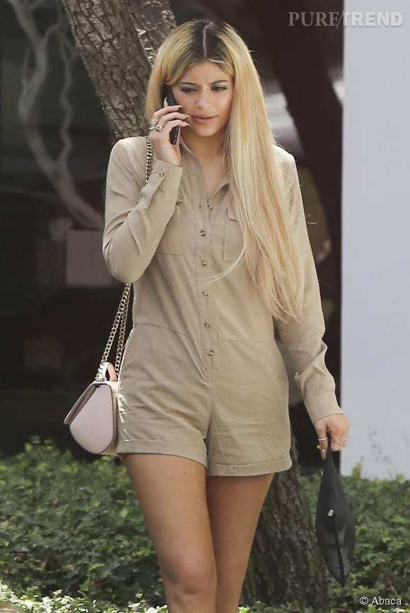 Kylie Jenner est passée au blond pour la rentrée.