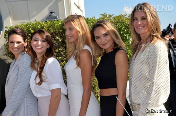 Camille Cerf, entourée de quelques anciennes Miss France : Laetitia Bleger, Rachel Legrain-Trapani, Valérie Bègue et Sophie Thalmann.
