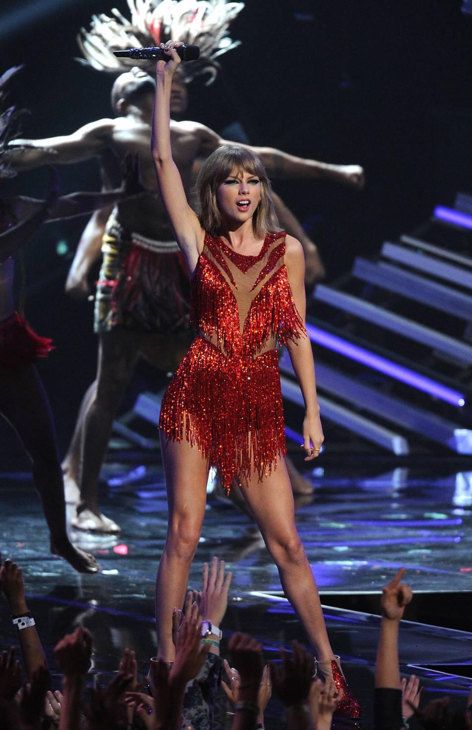 Taylor Swift est à la deuxième place avec 80 millions de dollars.