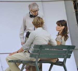 "Carla Bruni-Sarkozy, Owen Wilson et Woody Allen sur le tournage du film ""Midnight in Paris"" en juillet 2010."