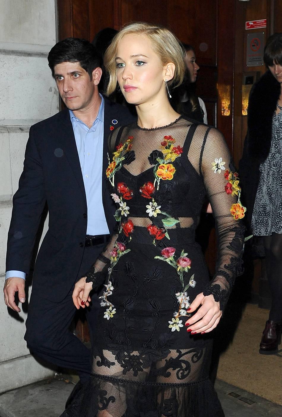 Jennifer Lawrence assure une promo sexy à Londres le 6 novembre 2015.