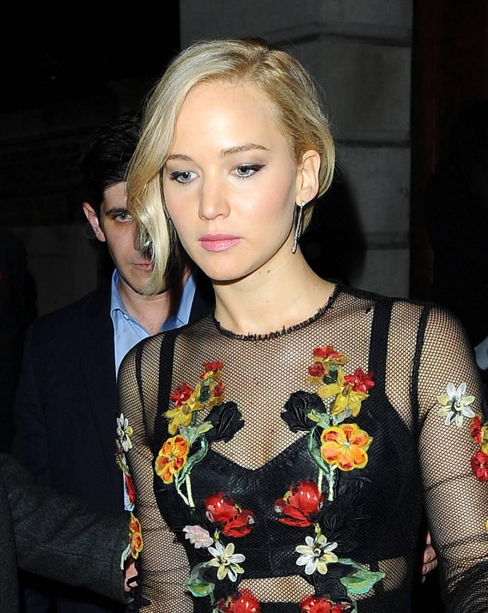 Jennifer Lawrence de sortie à Londres le 6 novembre 2015.