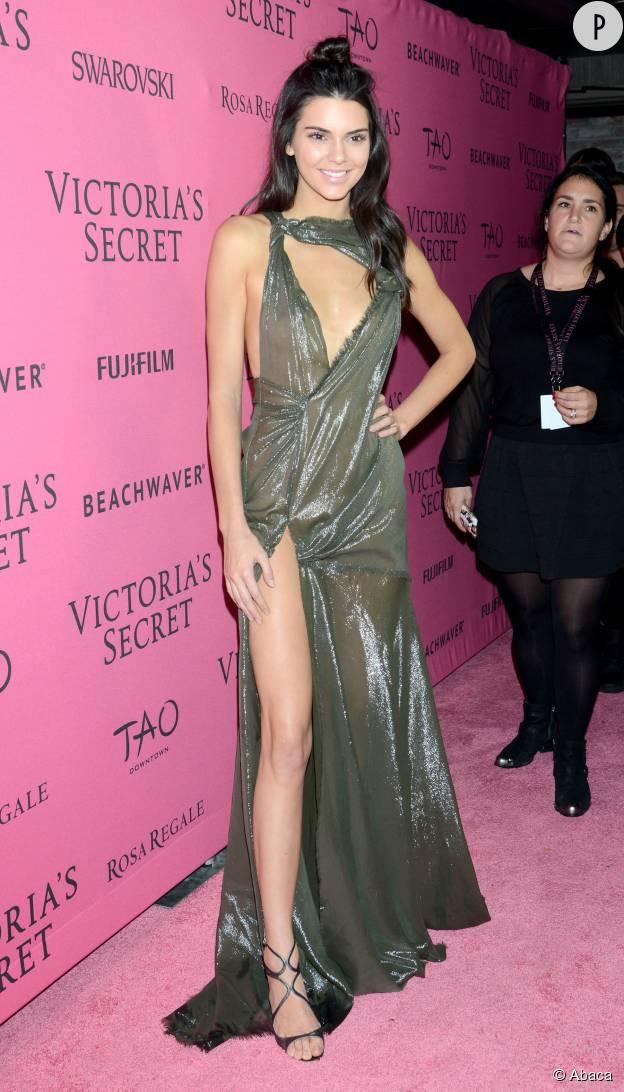 Kendall Jenner en robe Versace à l'after party du show Victoria's Secret 2015 à New York le 10 novembre.