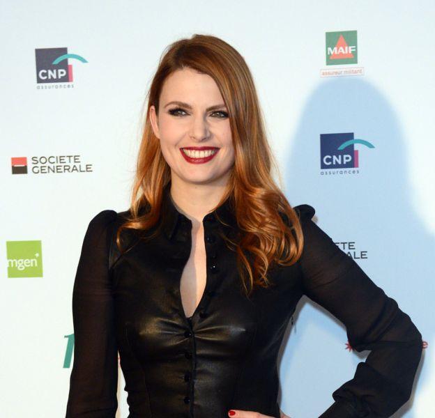 Elodie Frégé, glamour à souhait mercredi pour la 11e édition des trophées de l'APAJH.