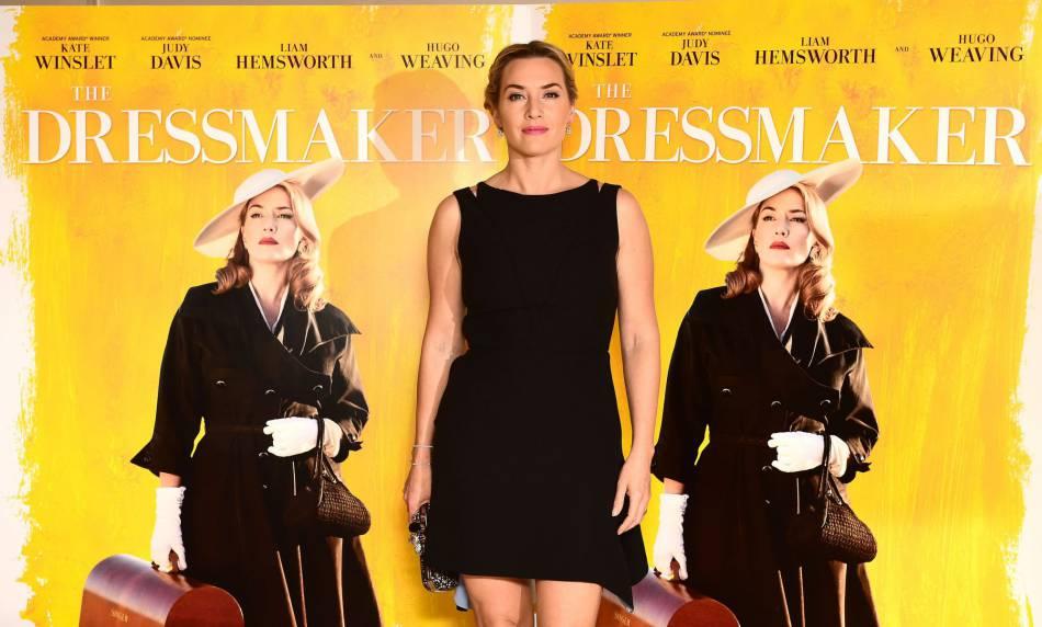 """Kate Winslet canon dans sa petite robe noire lors de la projection de """"The dressmaker"""" à Londres le 11 novembre 2015."""