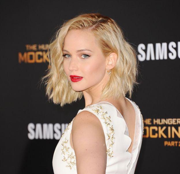 """Jennifer Lawrence, rayonnante et sexy lors de l'avant-première de """"Hunger Games – La Révolte partie 2"""", ce lundi 16 novembre 2015."""