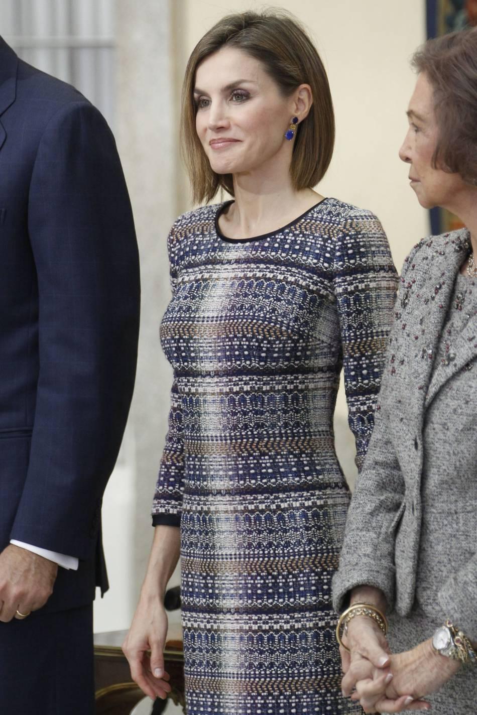 Letizia d'Espagne très sexy dans sa robe en tweed.