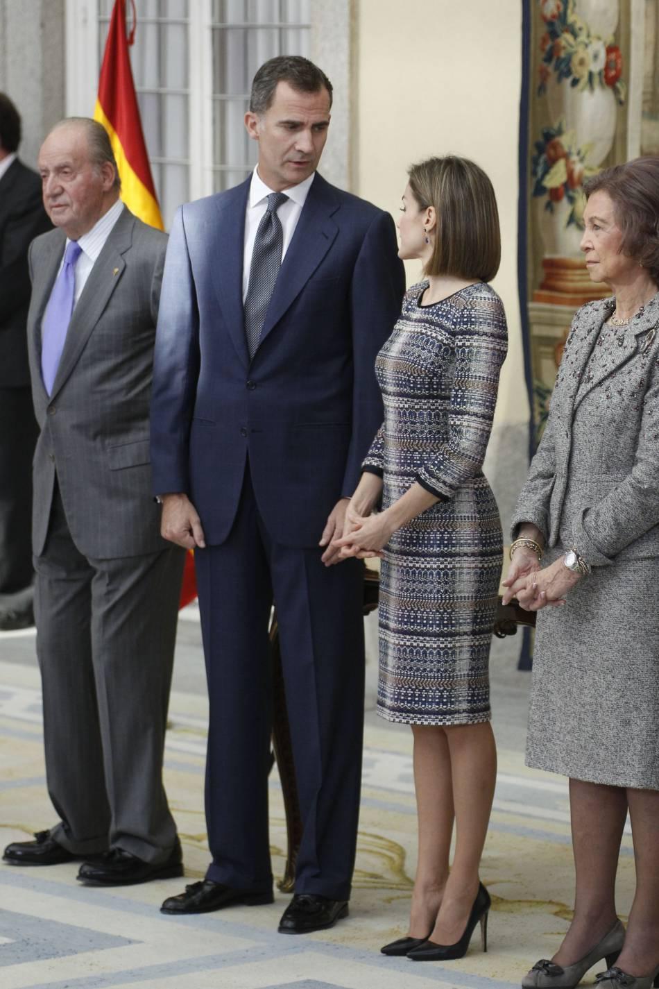 Letizia d'Espagne chic et sexy à la fois.