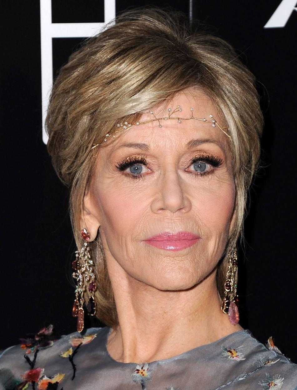 Jane Fonda ose le head band.
