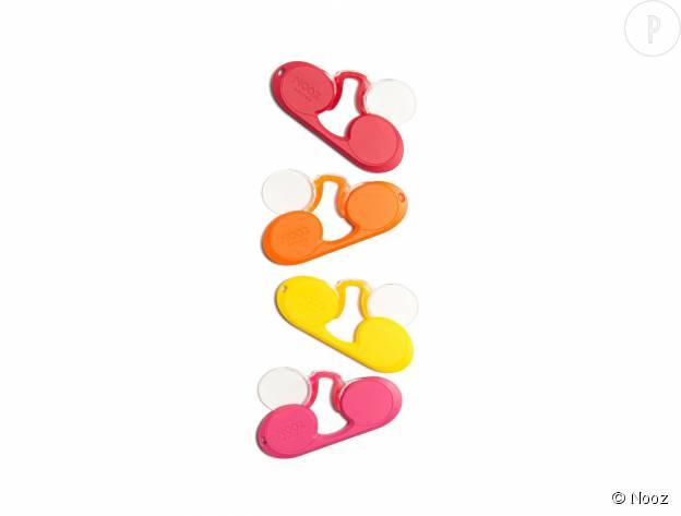 Loupes Nooz disponibles en quatre dioptries et huit coloris différents, 19,50€.