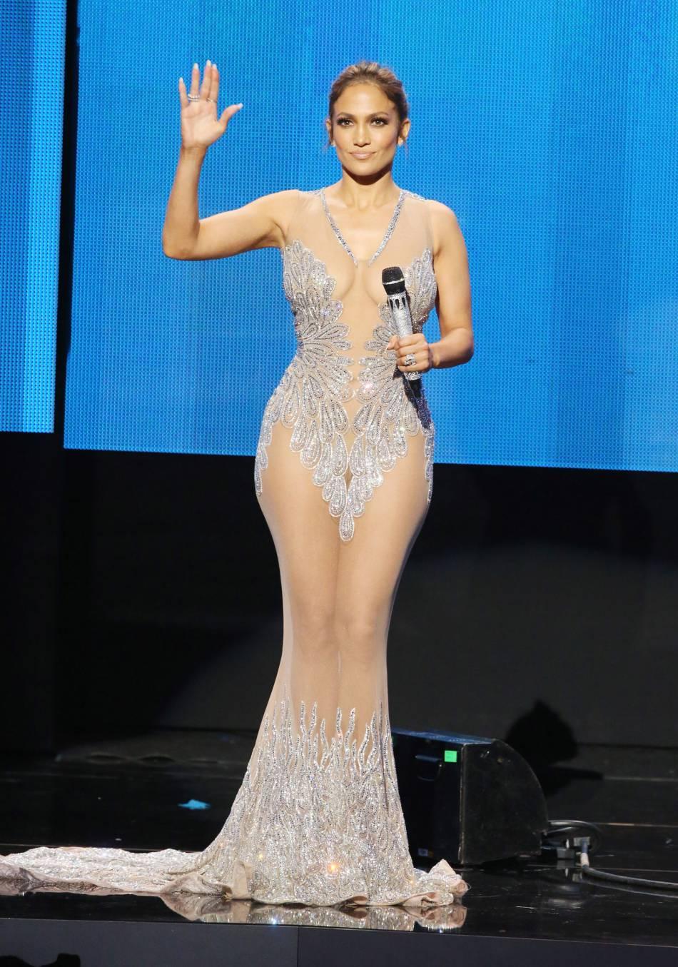 Jennifer Lopez en Charbel Zoe aux American Music Awards 2015 le 22 novembre 2015 à Los Angeles.
