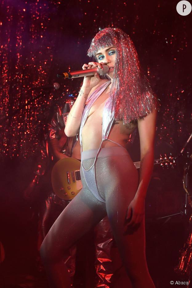 Miley Cyrus sur scène à Miami, en décembre 2014.