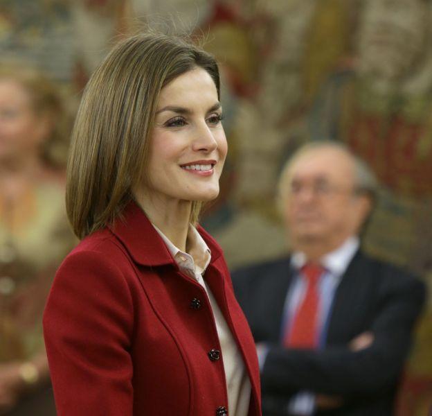 Letizia Ortiz était en audience au palais de la Zarzuela ce matin à Madrid. Elle a enchainé avec une visite au musée.