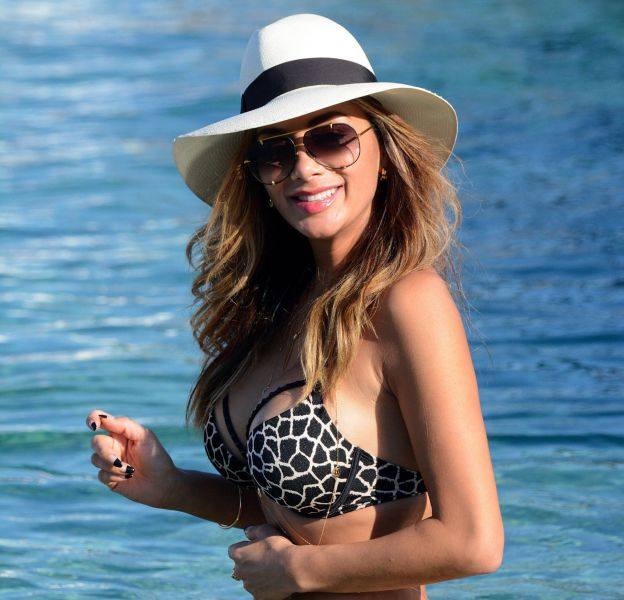Nicole Scherzinger affole Instagram avec des photos d'elle en bikini aux Maldives.