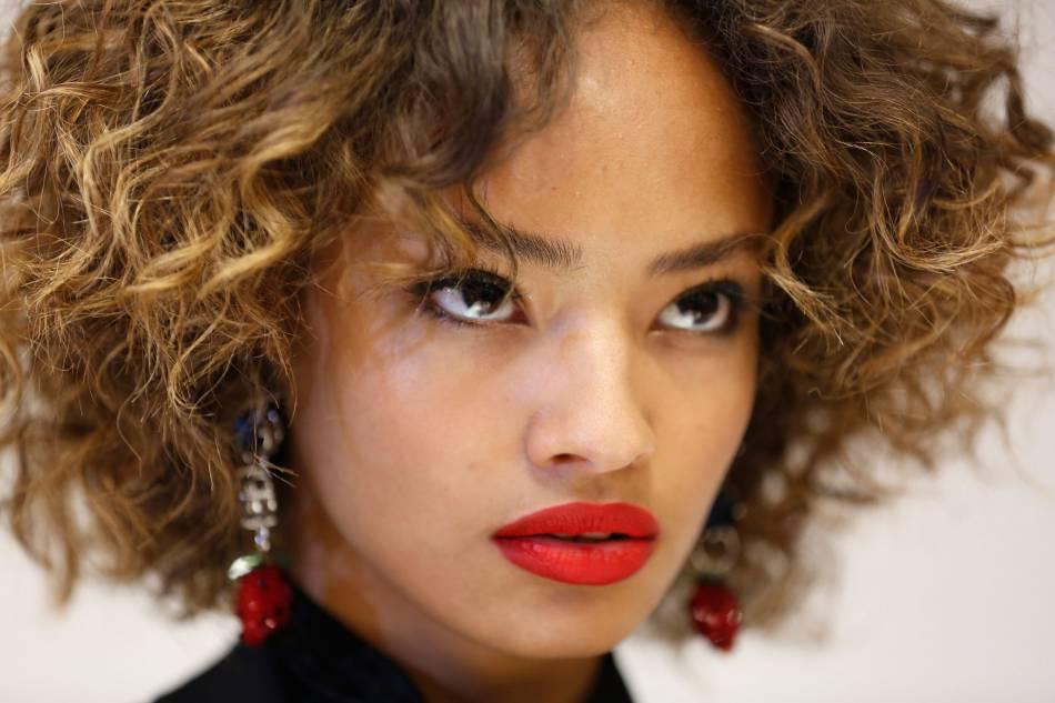 Célèbre Maquillage : du rouge à lèvres en anticerne, pure folie ou coup de  DT78