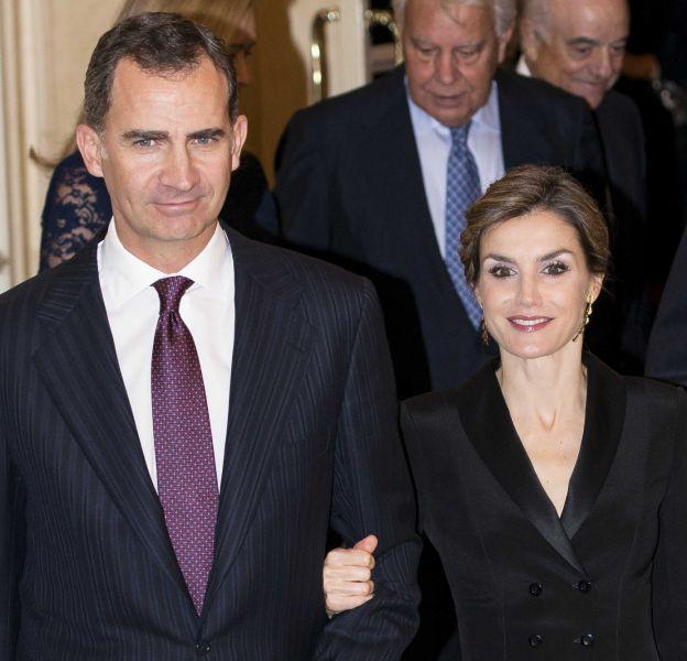Le roi Felipe et la reine Letizia d'Espagne auxFrancisco Cerecedo Journalism Awards le 25 novembre 2015 à Madrid.