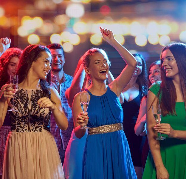 Nouvel An : la soirée se passait bien jusqu'à ce que Géraldine, au premier rang, propose de faire une chenille.