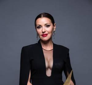 Tina Arena : ses seins font sensation pour son come-back sur le tapis rouge !