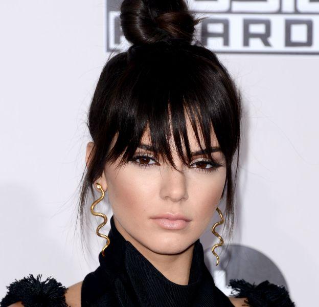 Kendall Jenner dévoile les coulisses d'un shooting sexy sur Instagram.