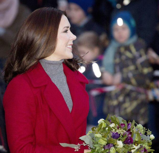 Mary du Danemark célèbre l'illumination du sapin de la mairie de Copenhague le 29 novembre 2015.