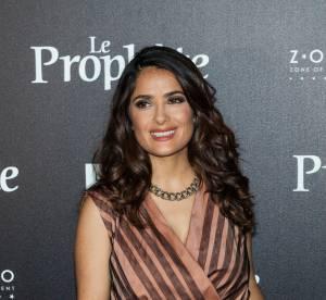 Salma Hayek, beauté captivante et sensuelle dans un look rétro