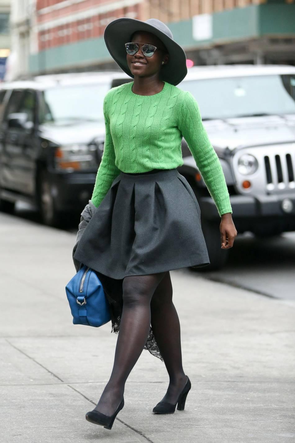 Lupita Nyong'o, tenue hivernale et colorée à New York.