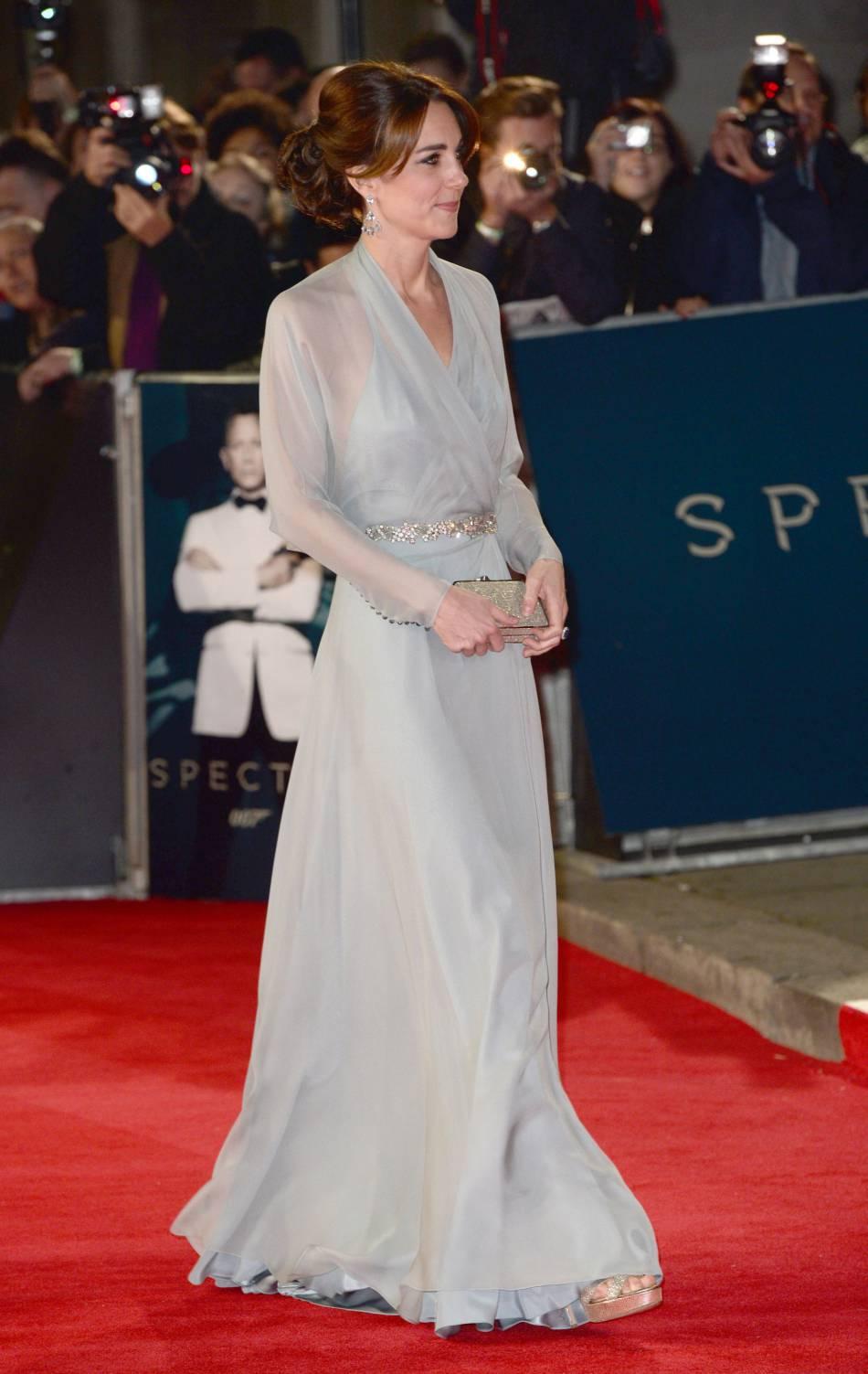 La duchesse a amorcé le changement avec cette robe Jenny Packham...