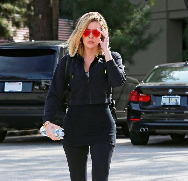 Khloe Kardashian a repris le chemin de la salle de sport après quelques jours de repos forcé.