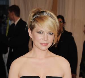 Michelle Williams et son élégant headband en strass.