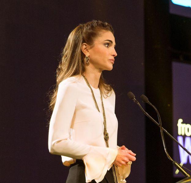 Rania de Jordanie, une reine très en beauté et engagée pour l'éducation.