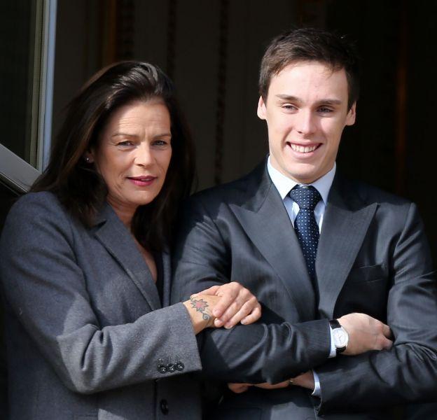 Stéphanie a officiellement présenté son fils à une soirée de gala le 1er décembre.
