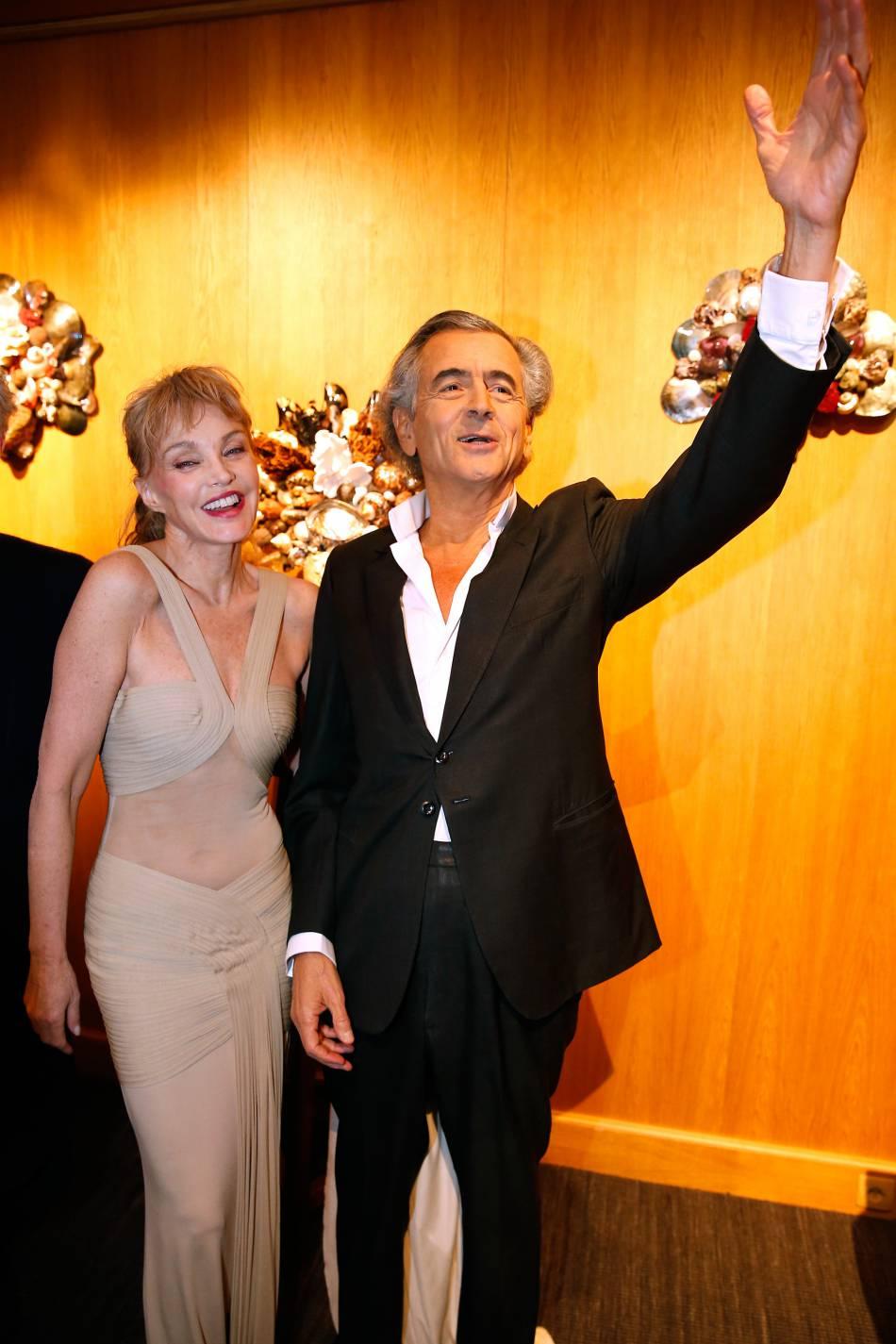 Arielle Dombasle et son époux, Bernard-Henri Lévy ce mardi 16 février 2016.