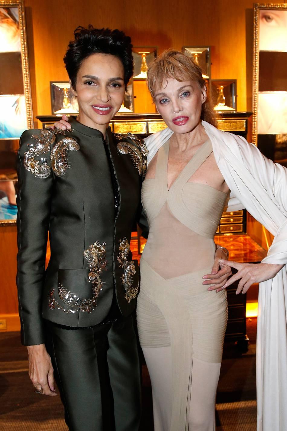 Arielle Dombasle et Farida Khelfa ce mardi 16 février 2016, à Paris.