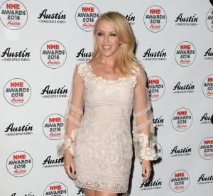 Kylie Minogue, romantique et diablement sexy dans une robe à fleurs
