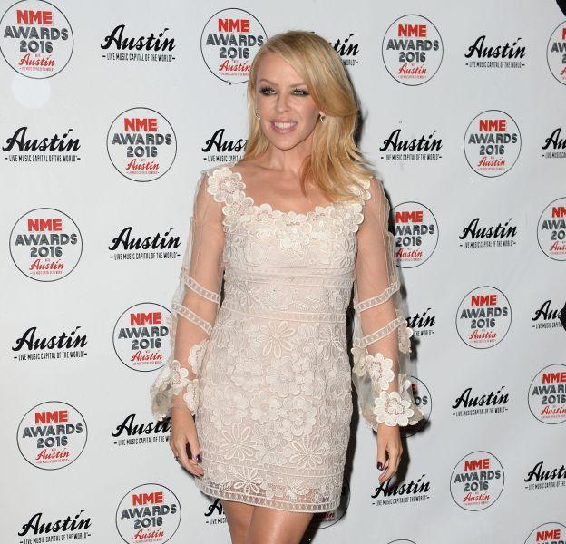 Kylie Minogue était romantique et sexy pour les NME Awards 2016.
