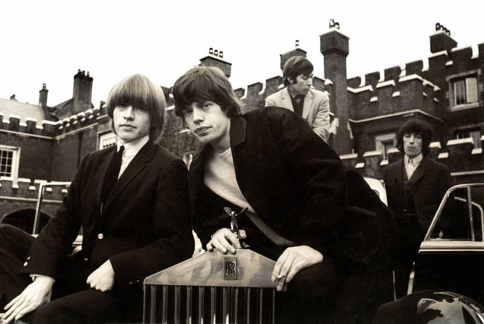 Mick Jagger et Brian Jones auraient tenté leur chance avec Françoise Hardy, sans succès.