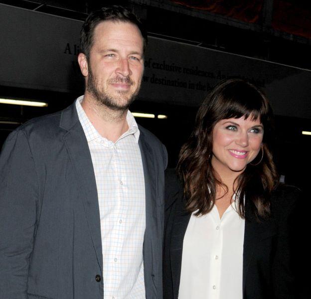 """Depuis six ans, l'époux de Tiffani-Amber Thiessen ne lui """"a pas touché [les] seins""""."""