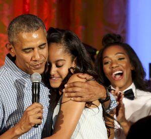 Barack Obama ému : il chante pour l'anniversaire de sa fille (vidéo)