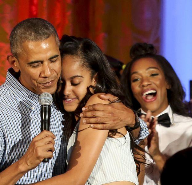 Barack Obama a chanté un joyeux anniversaire à sa fille Malia.