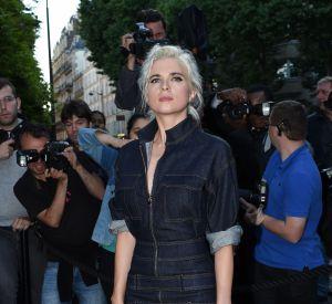 Cécile Cassel a misé sur un look moulant en denim. La chanteuse a assuré le show en chantant durant la soirée.
