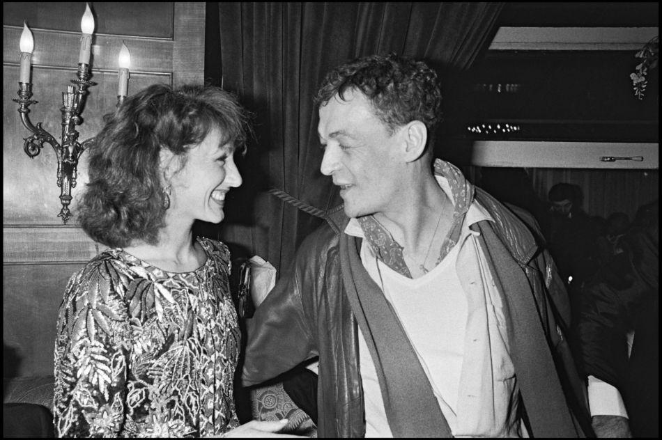 Nathalie Baye et l'acteur Philippe Léotard. Ils vivent ensemble une dizaine d'années avant de se séparer.