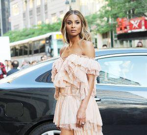 Ciara au CFDA Awards le mois dernier. Egérie de Roberto Cavalli, la chanteuse ne fait que très rarement d'infidélité à la marque. C'est Peter Dundas qui a dessiné sa robe de mariée.