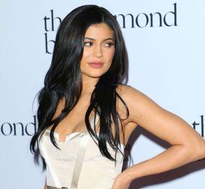 Kylie Jenner : poitrine XL dans un bikini prêt à exploser