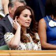 Kate Middleton en robe Alexander McQueen et bijoux précieux. Quelle beauté !