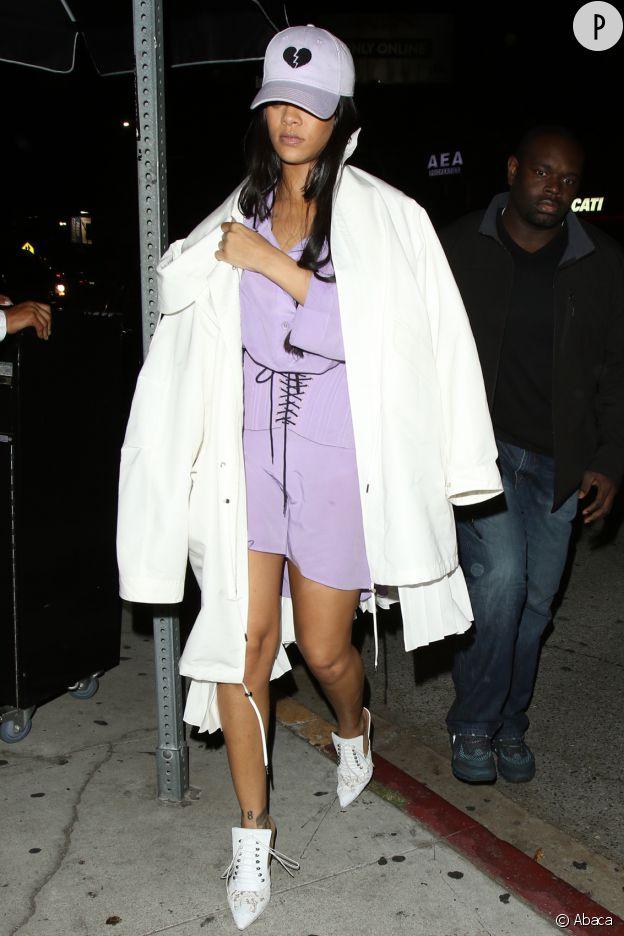 Rihanna sublime la tendance du combi-short.