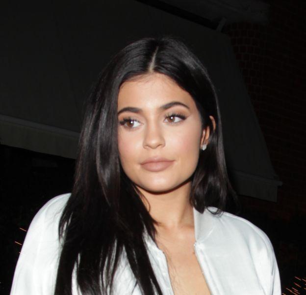 Quand Kylie Jenner ne porte pas une mini robe, elle porte des tenues bien trop moulantes !