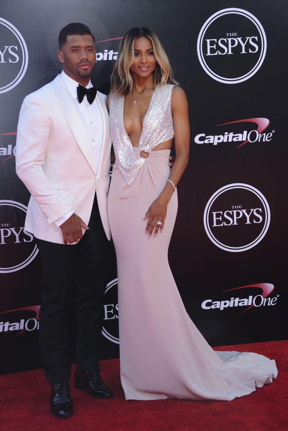 Ciara et Russell Wilson, lors de leur première apparition sur le tapis rouge depuis leur mariage.